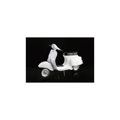Italeri 1/9 Vespa 125 Primavera Scooter Kit 4633